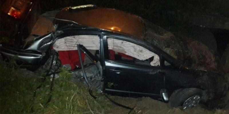 16 yaşındaki şoför şarampole uçtu: 1'i ağır 4 yaralı