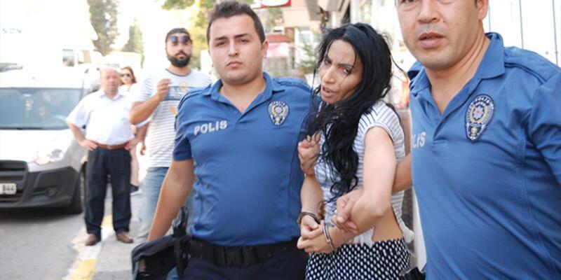 Boşandığı eşini bıçakla yaralayan kadın gözaltına alındı