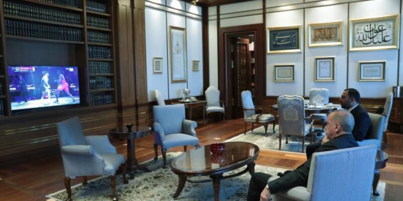 Cumhurbaşkanı Erdoğan, altın madalya kazanan Kayaalp'i tebrik etti