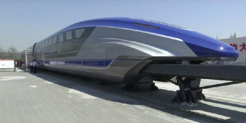 Çinliler uçan tren için parça tanıtımı yaptı
