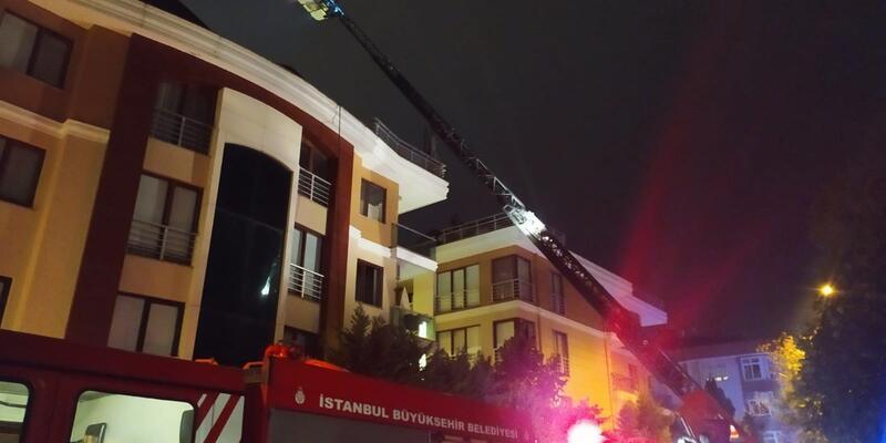 İstanbul'da lüks sitede yangın!