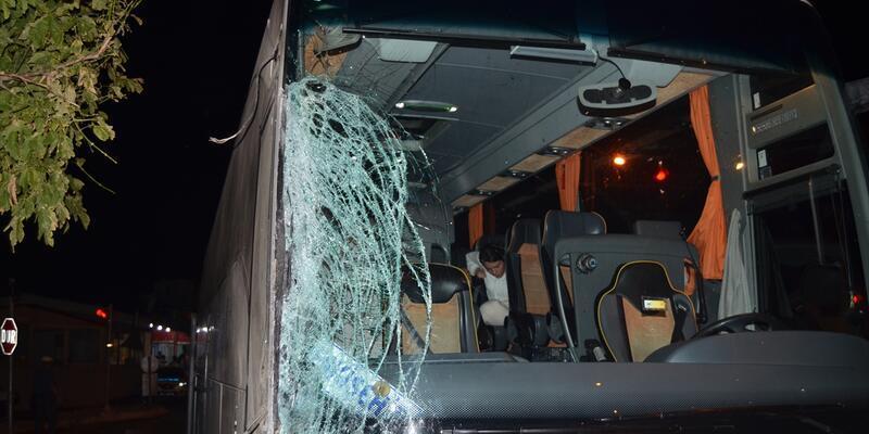 Aydın'da yolcu otobüsü TIR'a çarptı