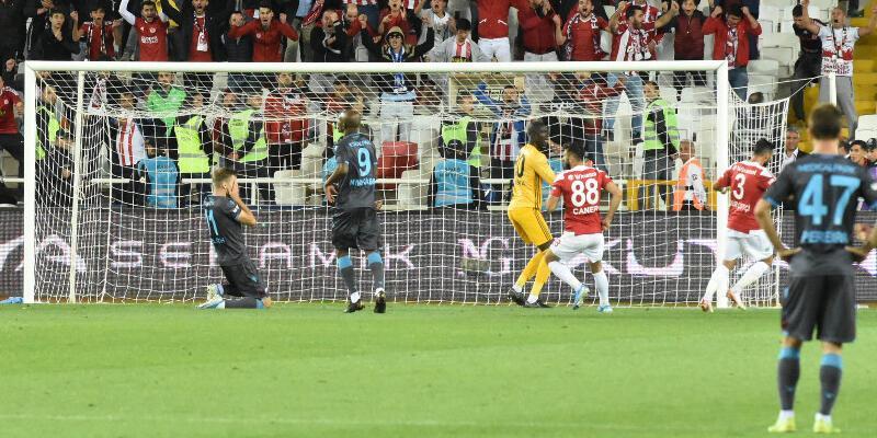 Trabzonspor'da penaltıcı aranıyor