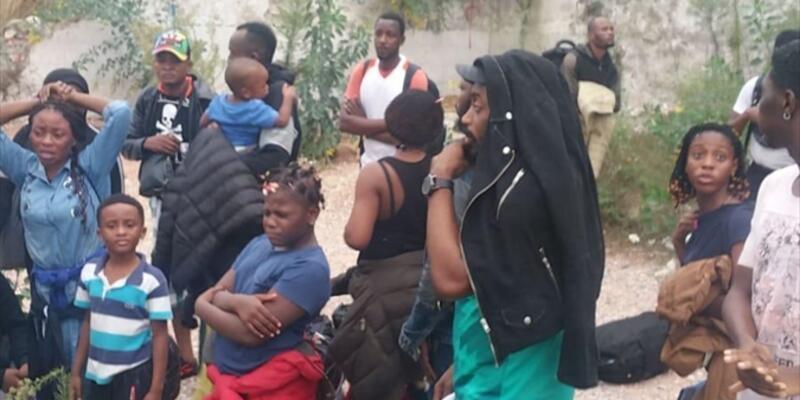 İzmir'de 25 düzensiz göçmen yakalandı