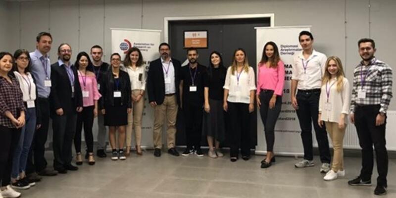 Diplomasi Akademisi'nde feminist yaklaşımlar ve güncel ABD dış politikası seminerleri