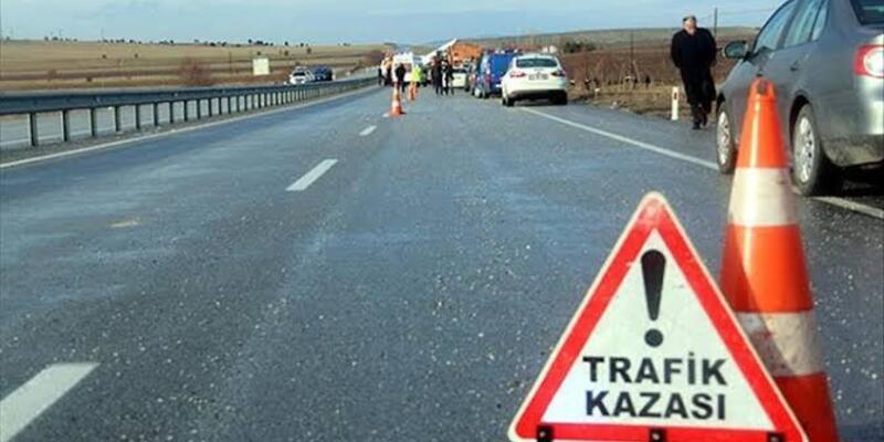 Konya'da otomobille TIR çarpıştı: 2 ölü, 3 yaralı
