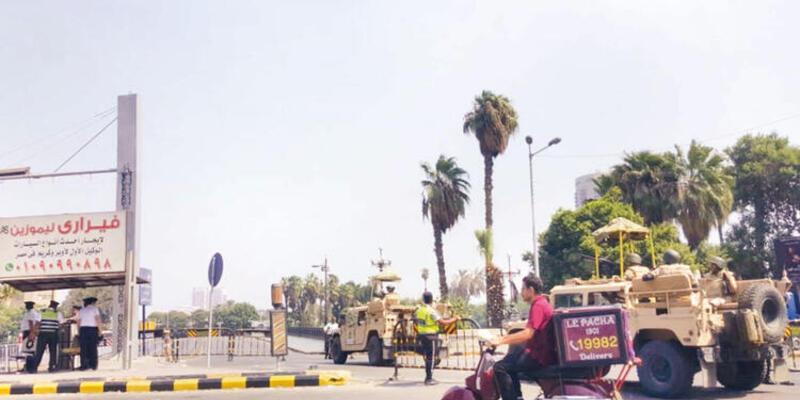 Tahrir'e giriş-çıkışlar kapatıldı