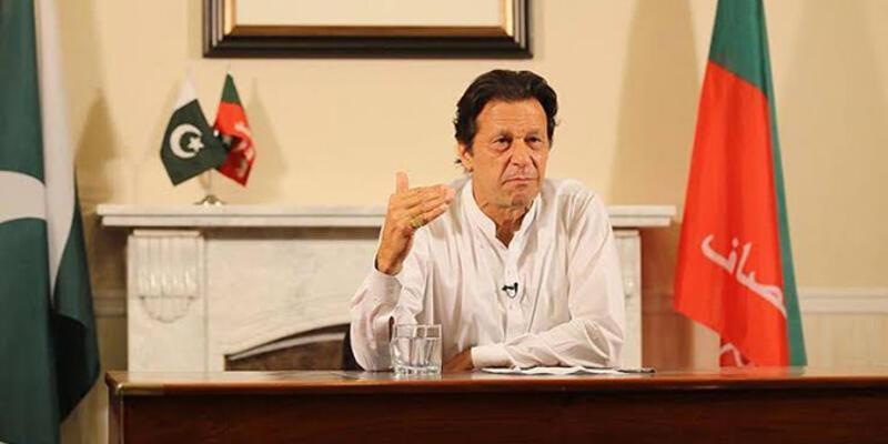 Son dakika... Pakistan Başbakanı İmran Han'ı taşıyan uçak acil iniş yaptı