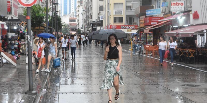 İzmir'de, sağanak ve fırtına uyarısı