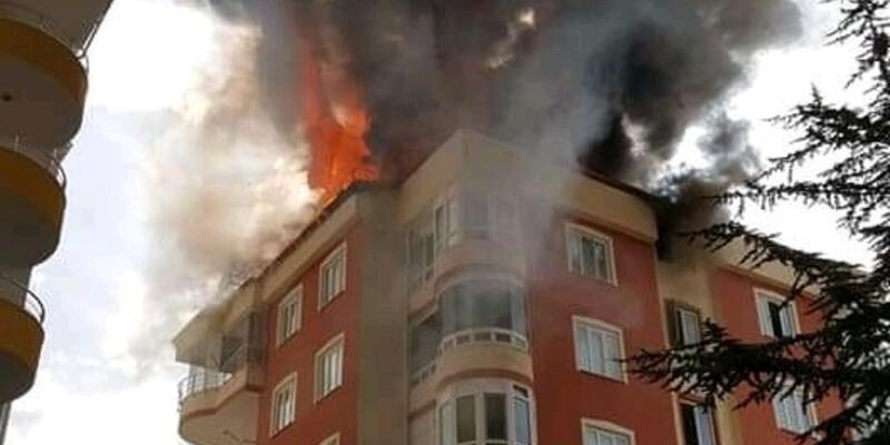 Kayseri'de çatı yangını: 9 kişi hastanelik oldu