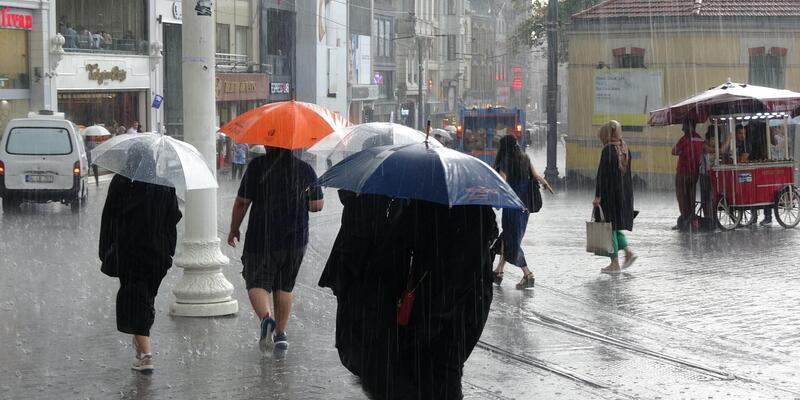 Meteoroloji'den kuvvetli sağanak yağış uyarısı: Bugün akşam saatlerinden sonra...
