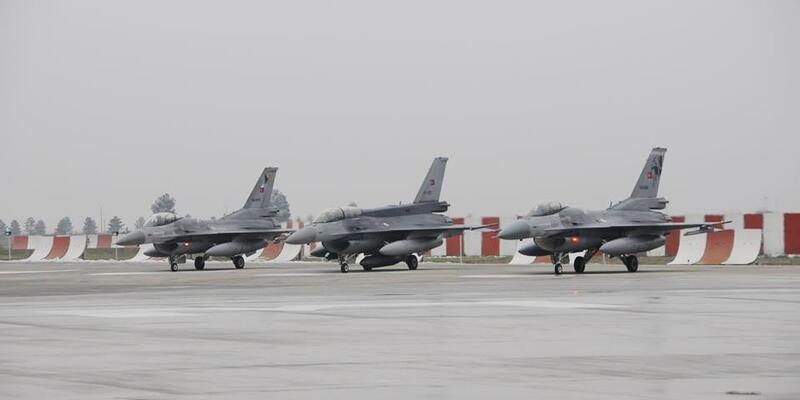 Diyarbakır 8'inci Ana Jet Üs Komutanlığı'nda hareketlilik... Tüm izinler kaldırıldı, askerler operasyona hazır şekilde bekliyor