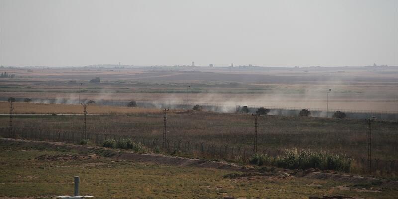Tel Abyad sınır hattında askeri araç hareketliliği