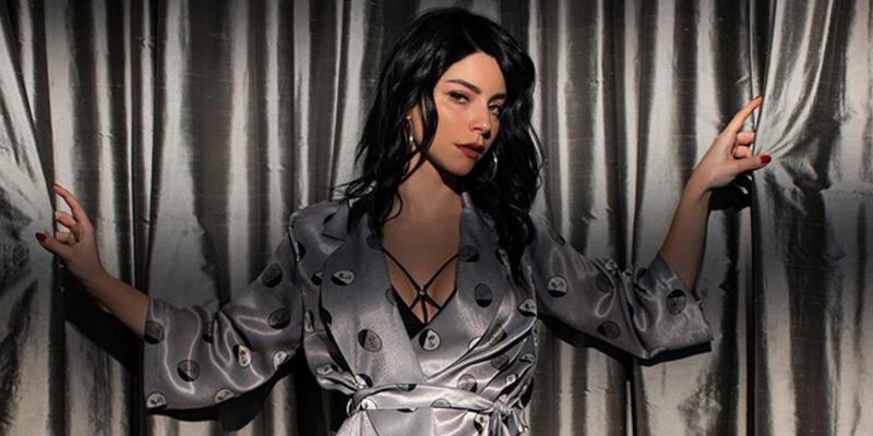 Ünlü oyuncu Merve Boluğur'a çıplak fotoğrafla şantaj iddiası