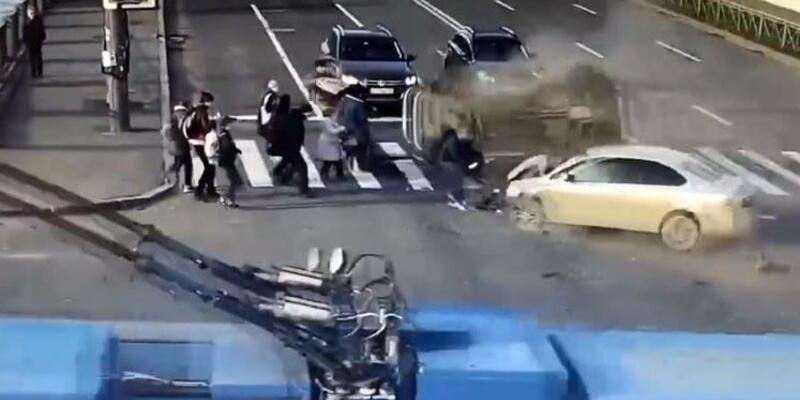Rusya'da korkunç kaza! Yayaları ezip geçti