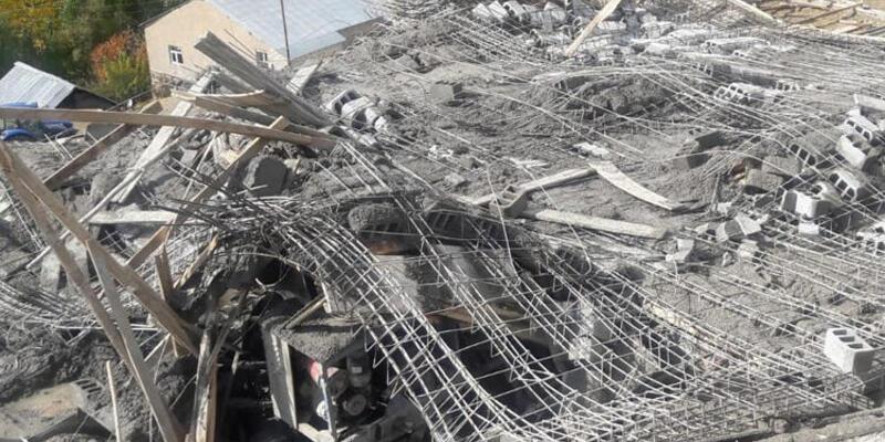 Yüksekova'da ev inşaatında çökme: 7 yaralı