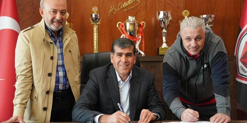 Gaziantep Sumudica'nın sözleşmesini uzattı