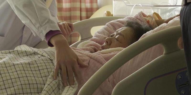 Çin'de 67 yaşındaki kadın doğum yaptı