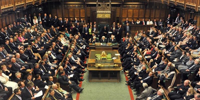 İngiltere Başbakanı'nın erken seçim önerisi reddedildi
