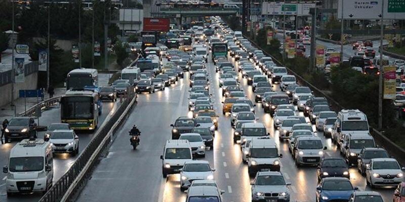 İstanbul'da yağmurla birlikte trafik kilit! Yüzde 70'e ulaştı…