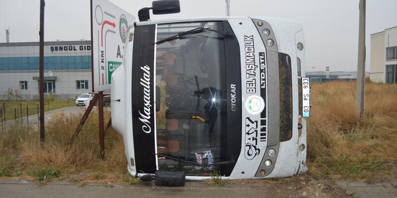 Son dakika... Belediye otobüsü şarampole devrildi: 5 yaralı