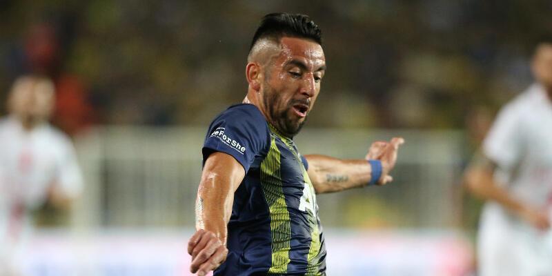 Fenerbahçe'de ikinci imza Isla'dan!
