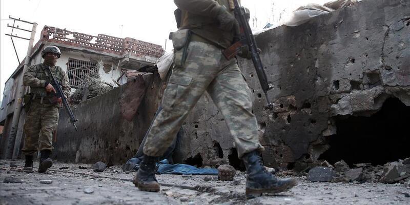 Saldırı hazırlığındaki PKK'lı 3 terörist sağ ele geçirildi