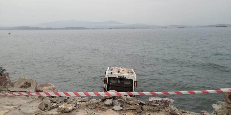 Çöp kamyonu denize uçtu