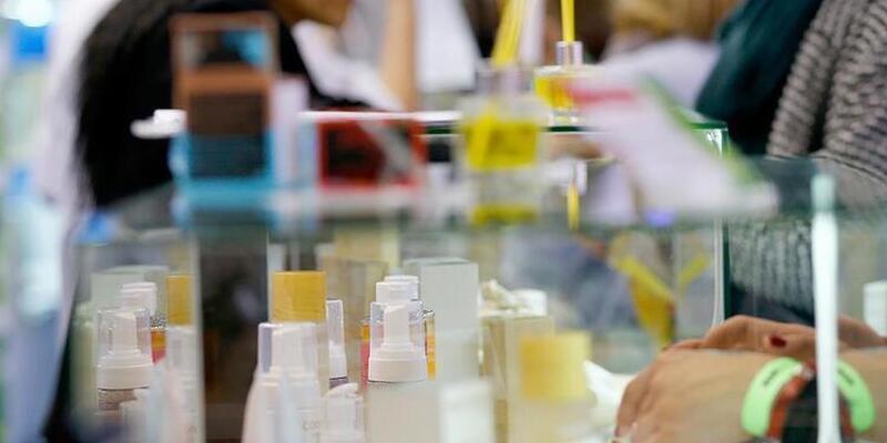 Eczacılar uyardı: Kozmetik ürünlerde büyük tehlike