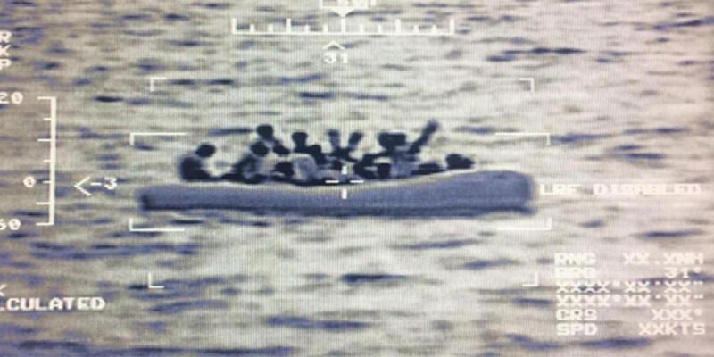 Son dakika... MSB: Edremit Körfezi'nde 51 düzensiz göçmen kurtarıldı
