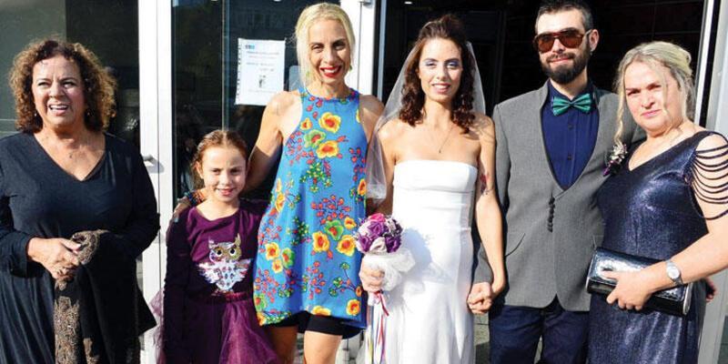 Zeynep Casalini 49 yaşında anneanne oluyor