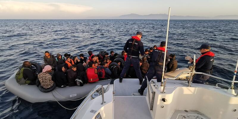 İzmir'de 72 düzensiz göçmen yakalandı