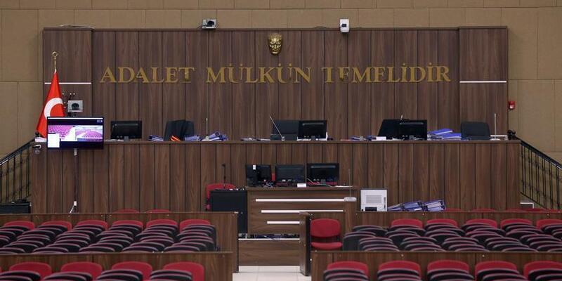 EskiYargıtayüyesi İlyas Altan'a hapis cezası