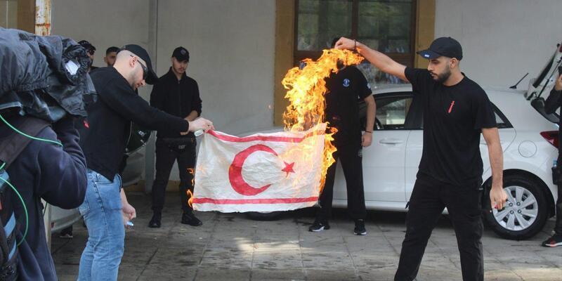Son dakika... MSB'den KKTC bayrağının yakılmasına sert tepki