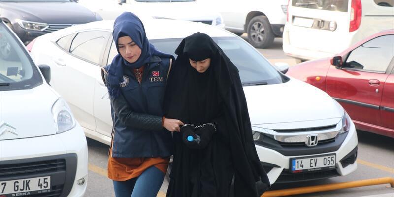 Yakalanan DEAŞ şüphelisi Iraklı çift adliyeye böyle getirildi