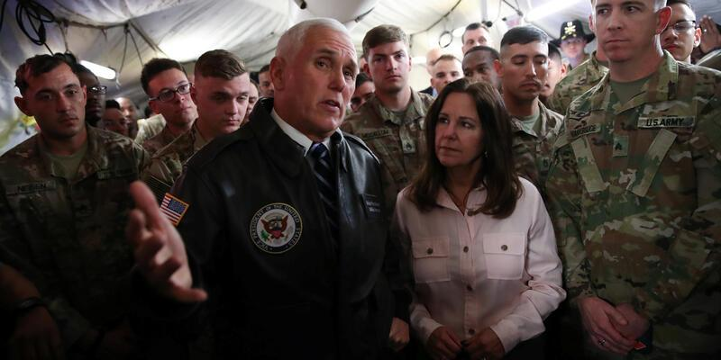 Mike Pence'in Irak ziyaretinde dikkat çeken detay