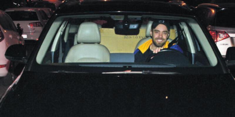 Murat Dalkılıç sevgilisinin arabasıyla geziyor