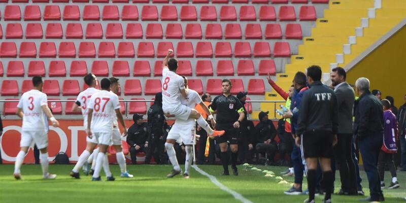 Lider Sivasspor'dan 4 gollü galibiyet