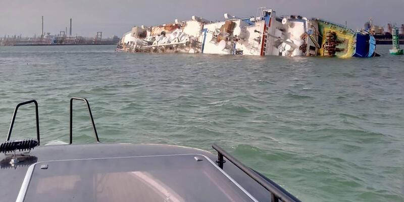 Karadeniz'de alabora olan geminin ambarında 14 bin koyun mahsur kaldı