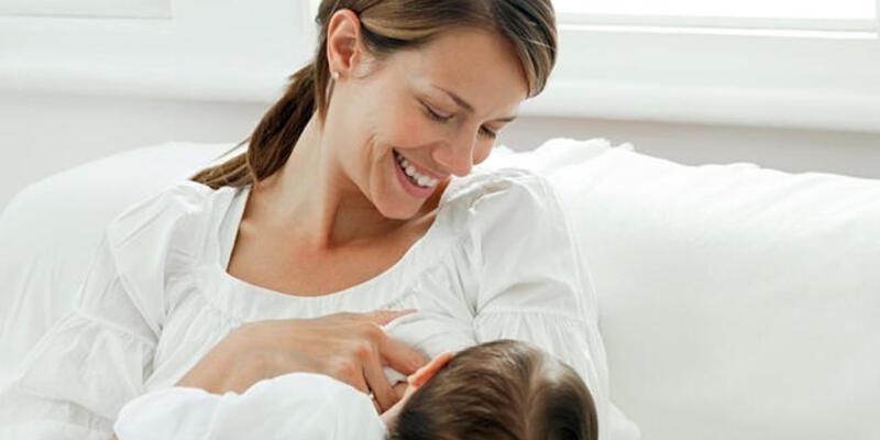 Bebeğinizi doğar doğmaz emzirin
