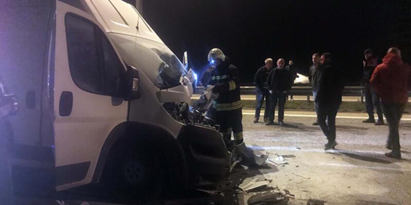Tankere çarpan kamyonetin sürücüsü öldü