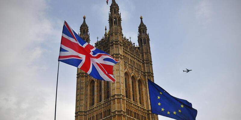İngiltere Brexit'te geçiş sürecini uzatmayacak