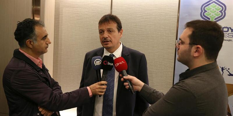 Ergin Ataman'dan Larkin'e milli takım desteği