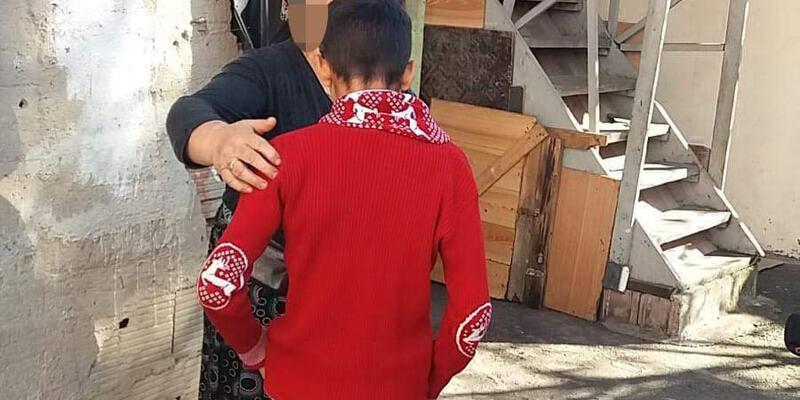 11 yaşındaki çocuk uyuşturucu satıcıların elinden kurtarıldı
