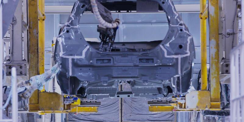 Nissan 300 milyon euroyla üretimi yeniliyor