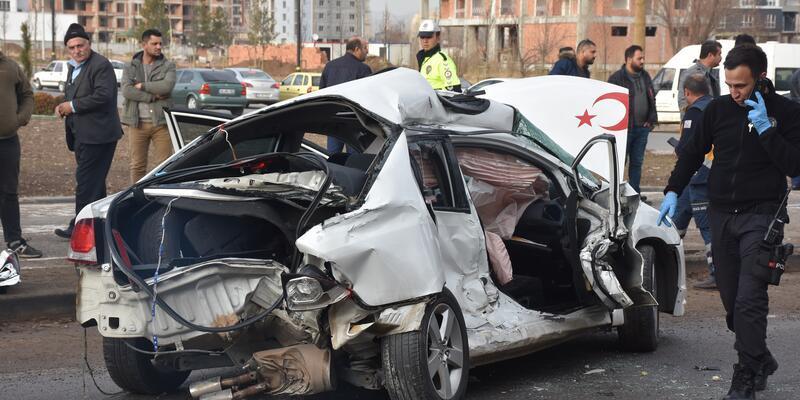 3 aylık nişanlı çifti kaza ayırdı