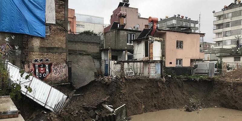 Çevre ve Şehircilik Bakanı Kurum: 'Adana'da 1 yıkık, 2 ağır hasarlı, 9 hafif hasarlı bina tespiti yapıldı'