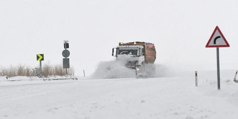Sivas'ta 61 köy yolu kapandı