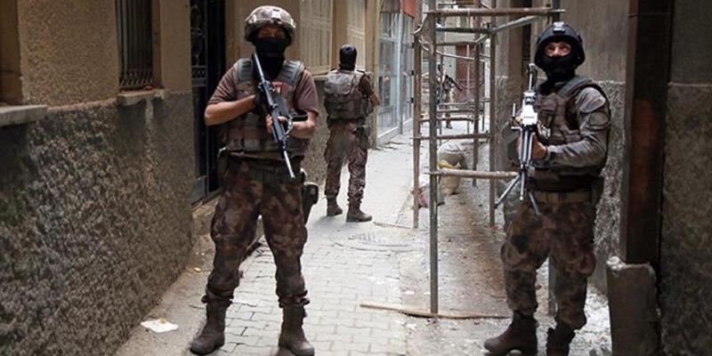 İstanbul'da 1400 adrese eş zamanlı baskın: 274 gözaltı