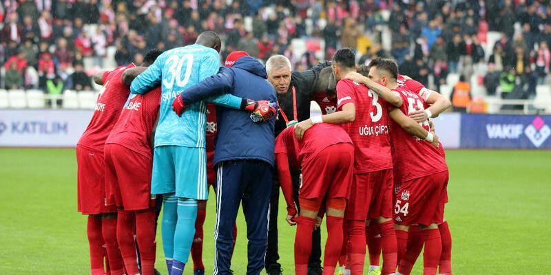 Lider Sivasspor haftayı kayıpsız geçti